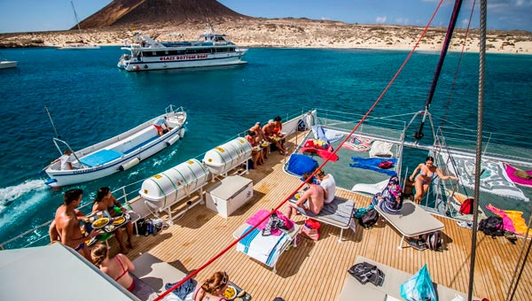 excursion catamaran